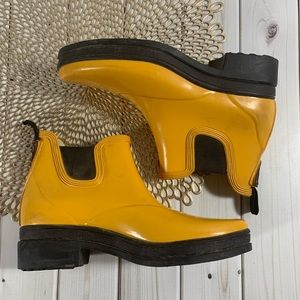 Ariat | Yellow Rubber Ankle Boots | Sz 6.5